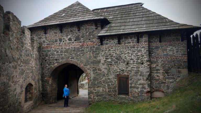 Rumburakův hrad Kunětická hora